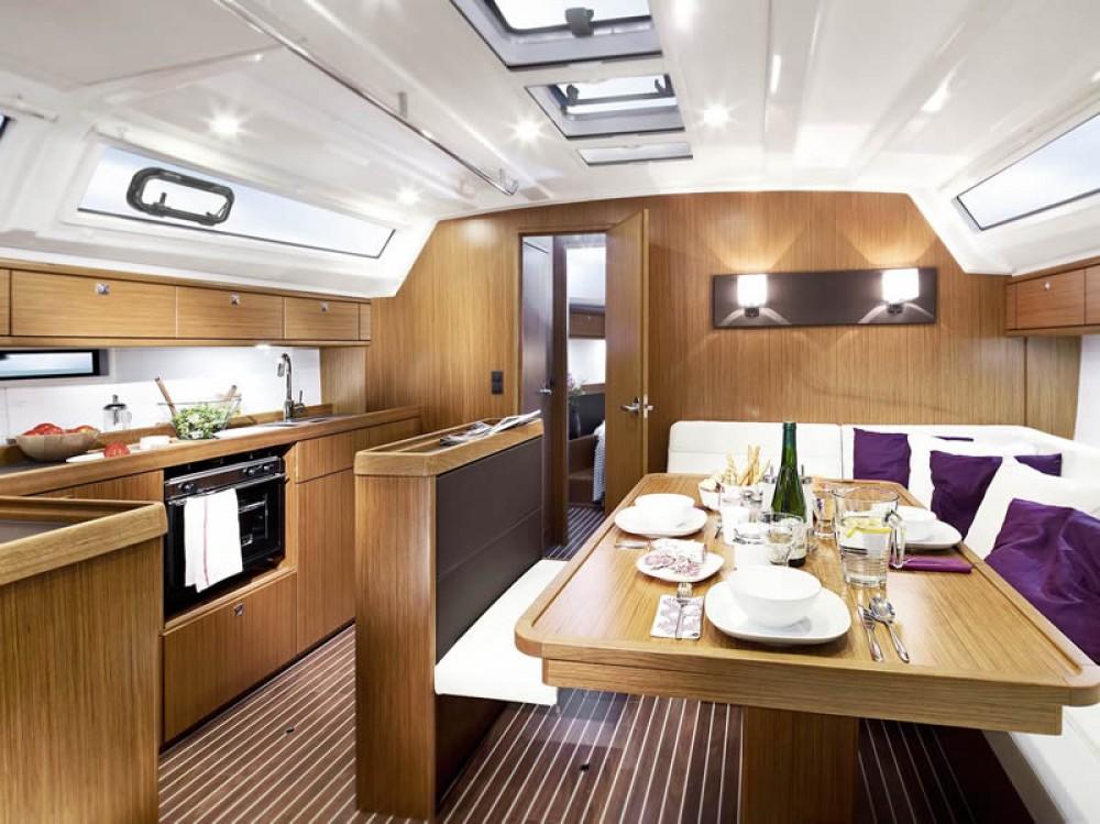 Rental yacht Göteborg City Marina - Bavaria Bavaria Cruiser 46 on SamBoat