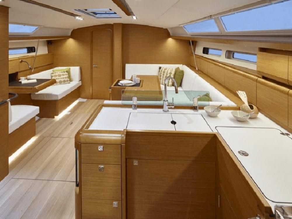 Rental yacht Göteborg City Marina - Jeanneau Sun Odyssey 449 on SamBoat
