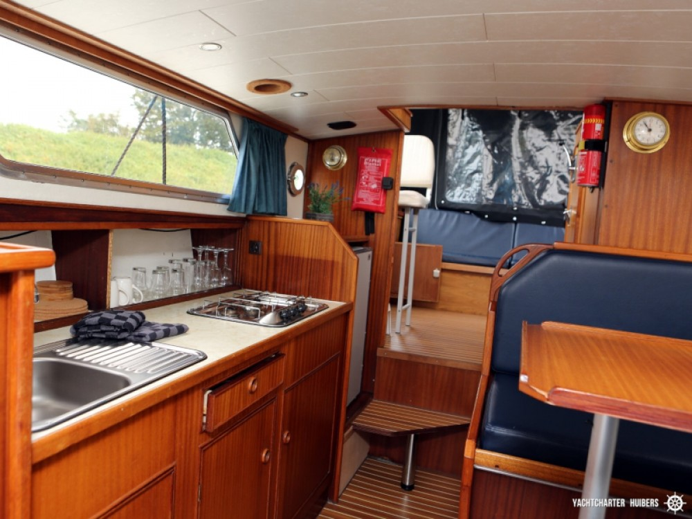 Rental yacht Heukelum -  Valkkruiser sport 850 on SamBoat