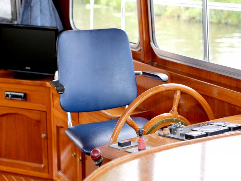 Rental yacht Heukelum -  Barkas 1100 on SamBoat