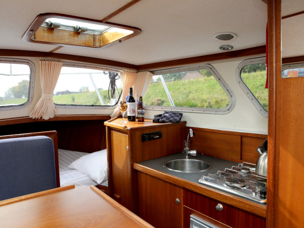 Rental yacht Heukelum -  Pedro 800 on SamBoat