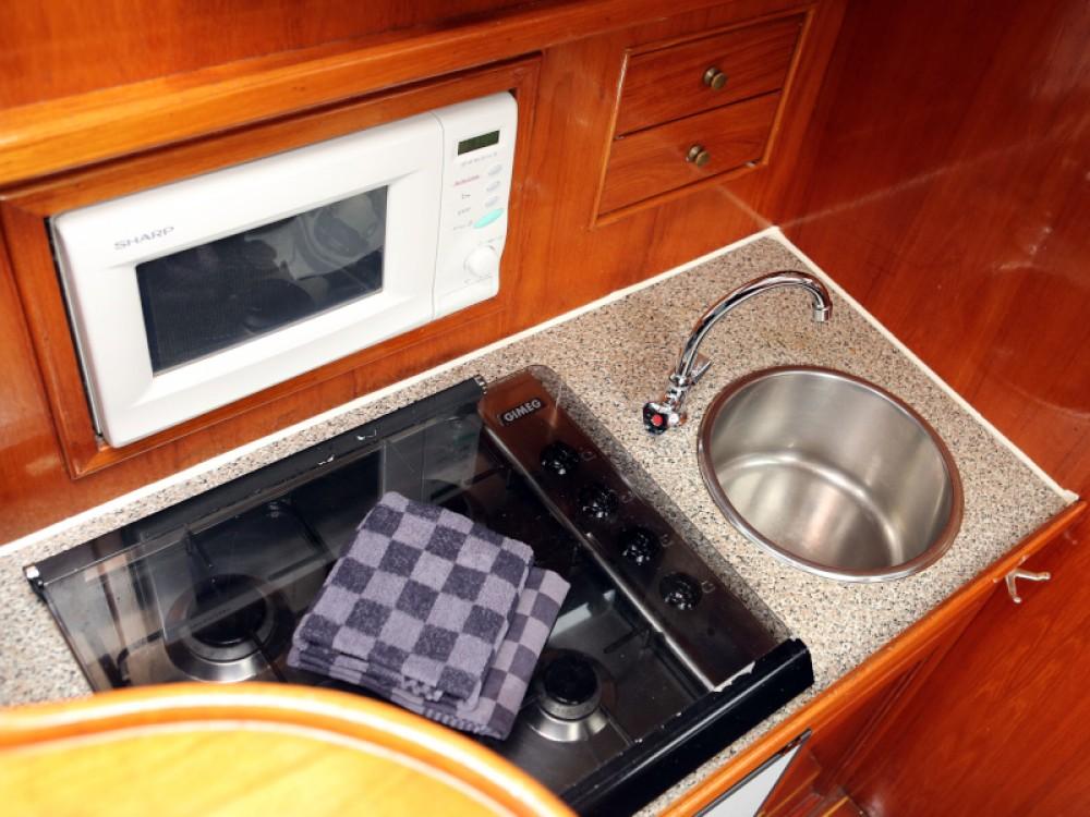 Rental yacht Heukelum -  Valkkruiser 1300 content on SamBoat