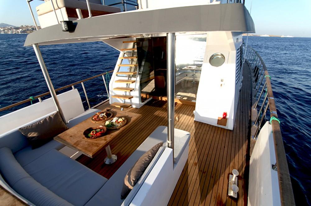 Boat rental Mykonos cheap Maiora Renaissance 66/70ft