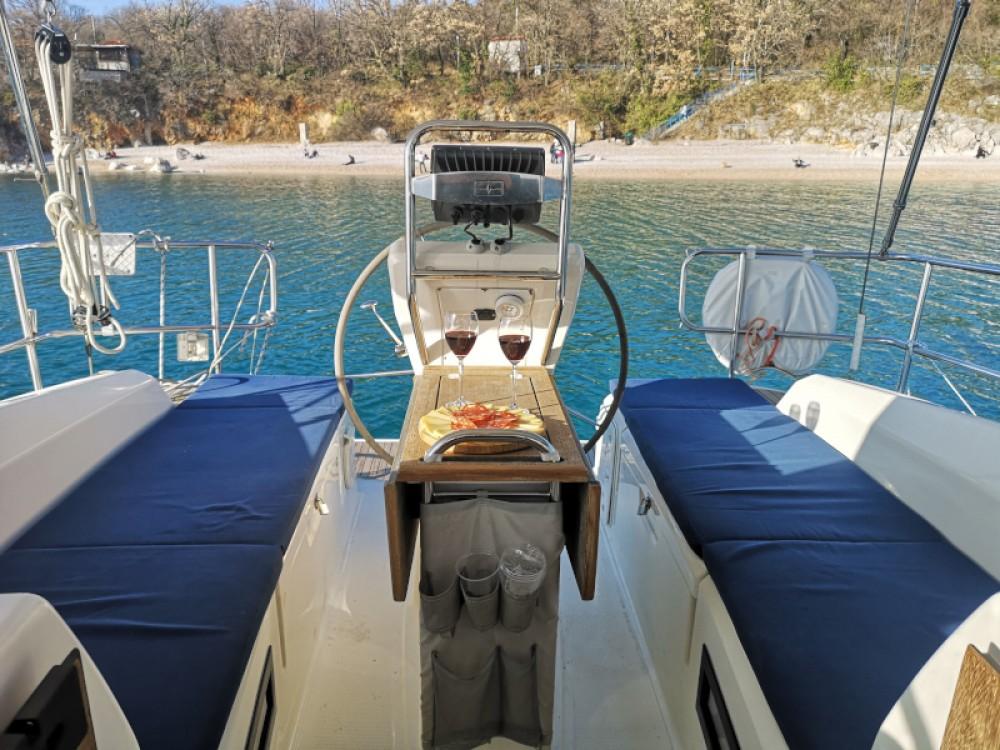Rental yacht Kraljevica - Bavaria Bavaria 36 on SamBoat