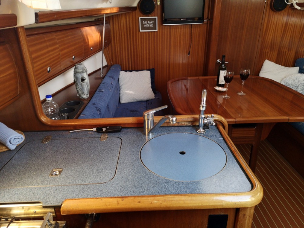 Rental yacht Kraljevica - Bavaria Bavaria 32 on SamBoat