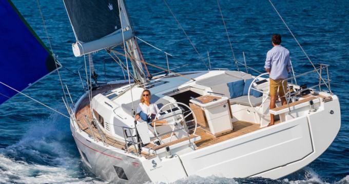 Rent a Bénéteau Oceanis 46.1 Fethiye