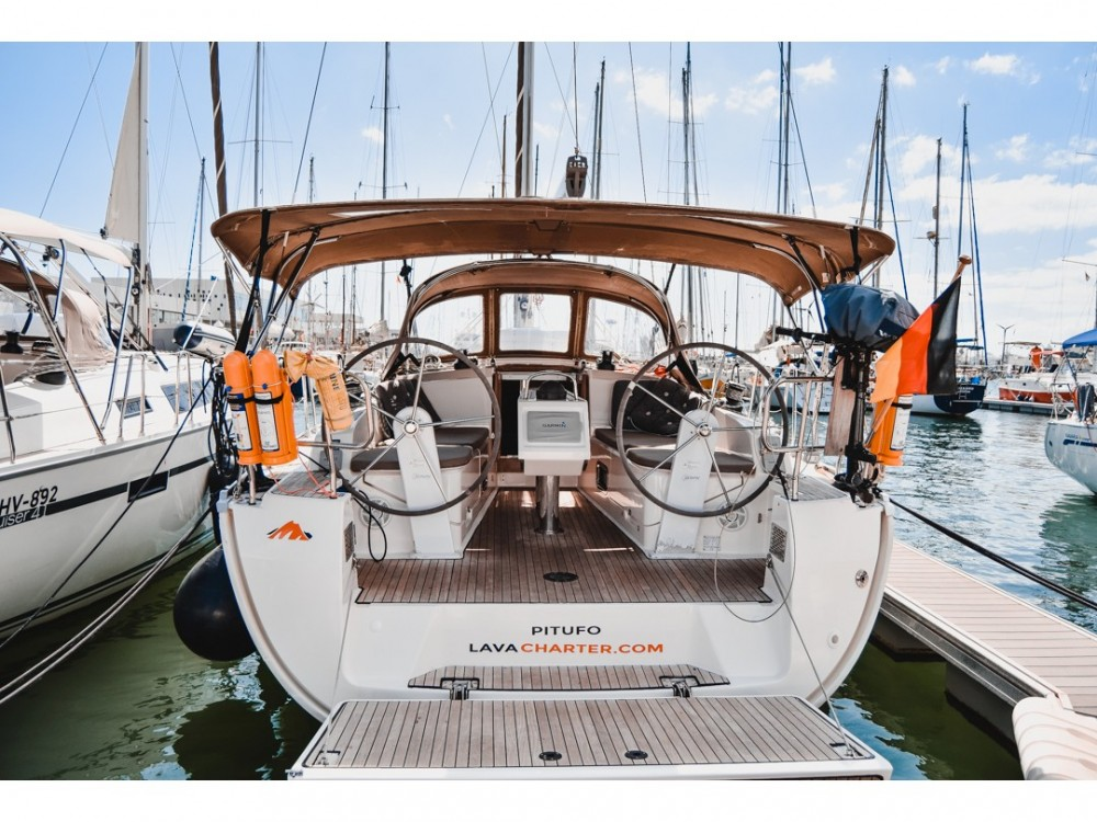 Boat rental Arrecife cheap Bavaria Cruiser 37