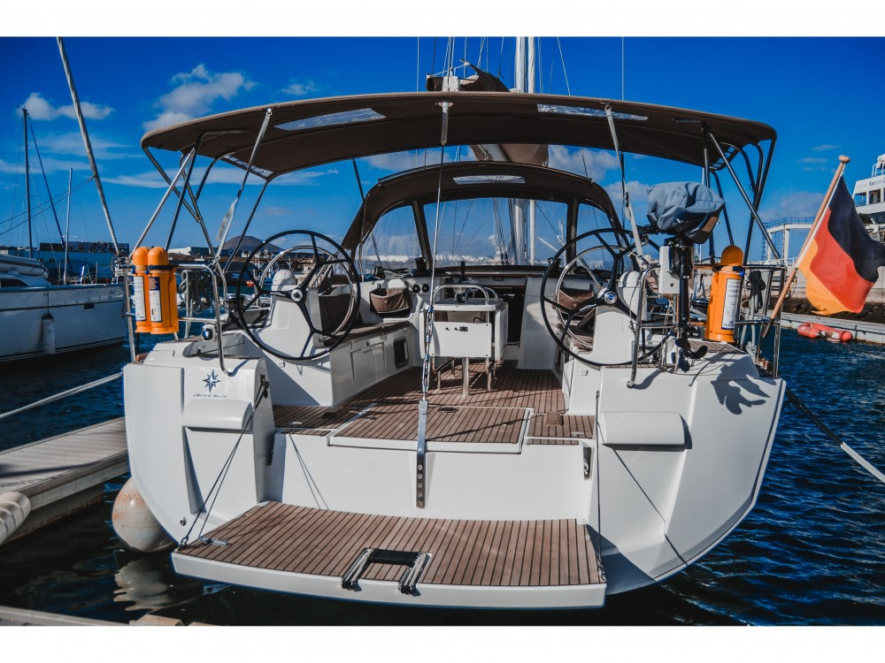 Sailboat for rent Marina Lanzarote at the best price