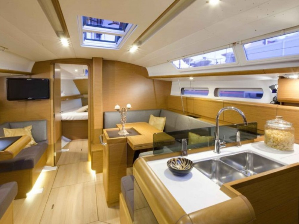 Jeanneau Sun Odyssey 409 between personal and professional Can Pastilla