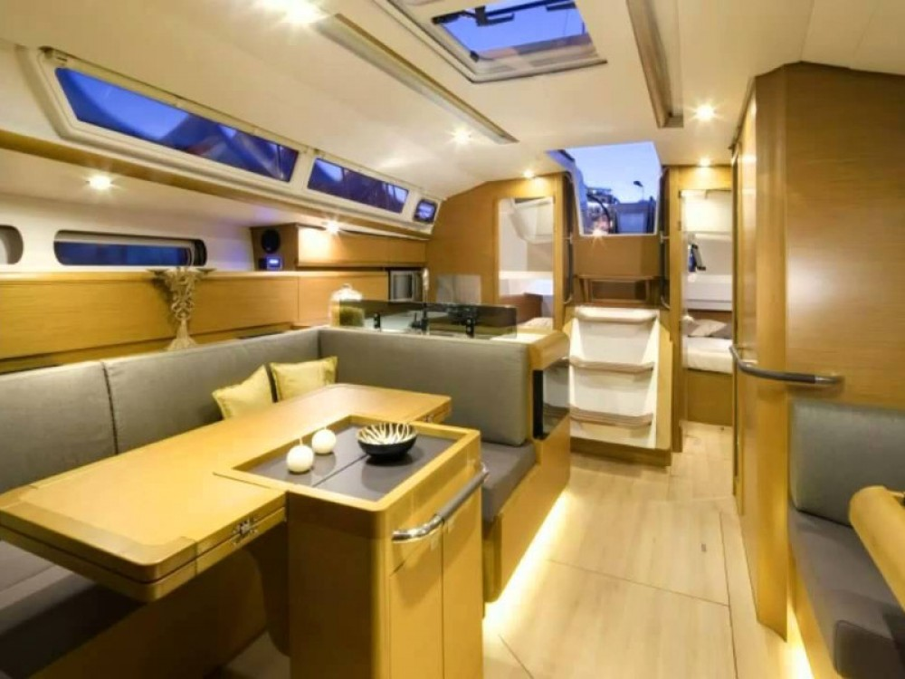 Rental yacht Can Pastilla - Jeanneau Sun Odyssey 439 on SamBoat