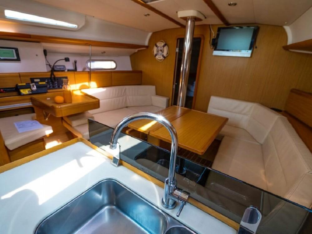 Boat rental Port Olímpic cheap Sun Odyssey 42 i