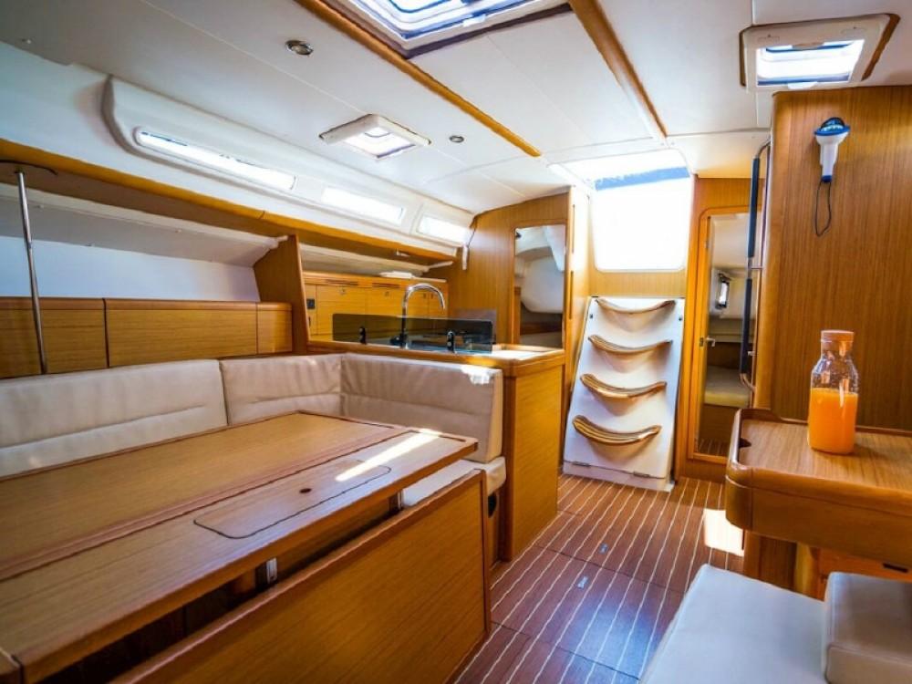 Boat rental Jeanneau Sun Odyssey 42 i in Port Olímpic on Samboat
