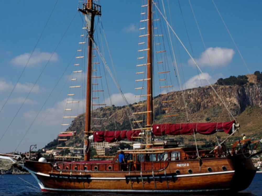 Hire Sailboat with or without skipper  Milazzo