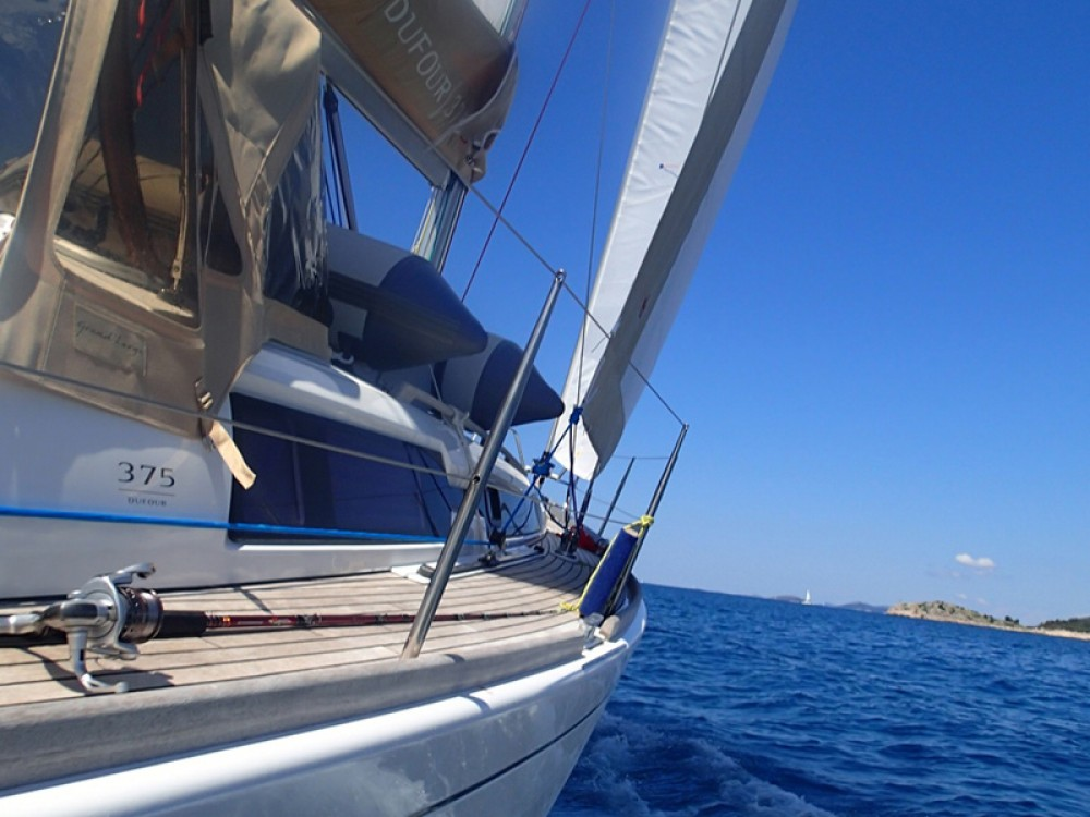 Rental Sailboat in Sukošan - Dufour Dufour 375 GL