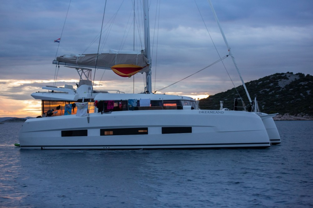 Hire Catamaran with or without skipper Dufour Sukošan