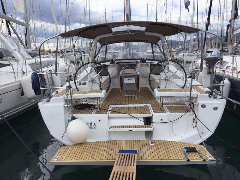 Boat rental Bénéteau Oceanis 41.1 in Primošten on Samboat