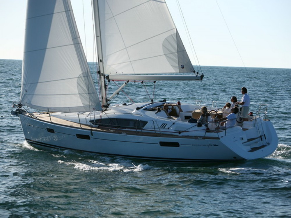 Jeanneau Sun Odyssey 42DS between personal and professional Primošten