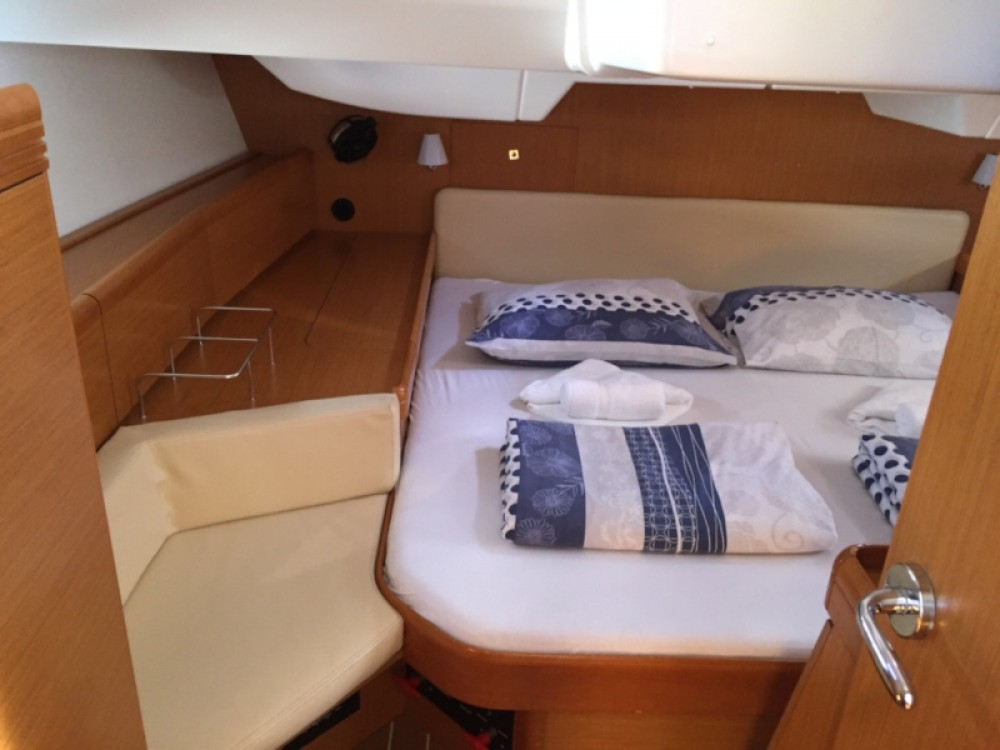 Rental yacht Primošten - Jeanneau Sun Odyssey 42DS on SamBoat