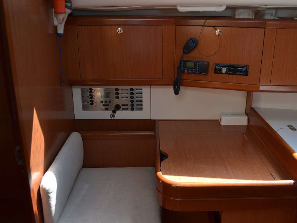 Boat rental Sukošan cheap Oceanis 40