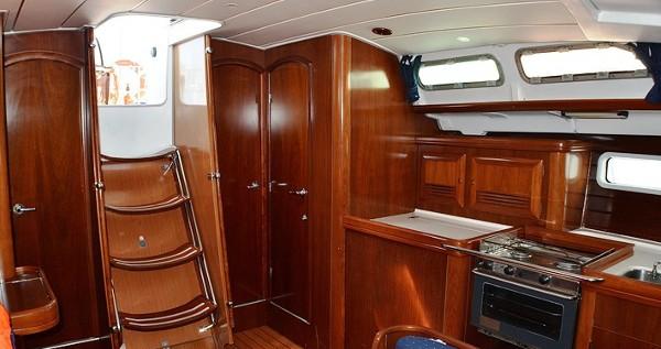 Boat rental Bénéteau Oceanis Clipper 423 in Sukošan on Samboat