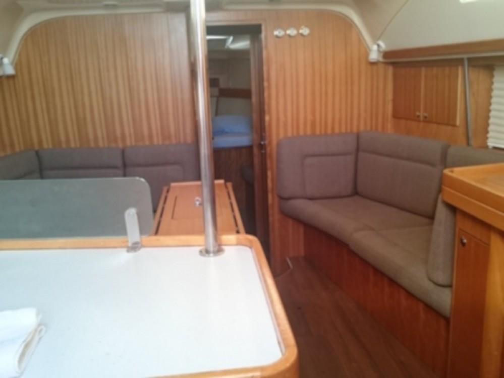 Rental Sailboat in Primošten - Elan Elan 434
