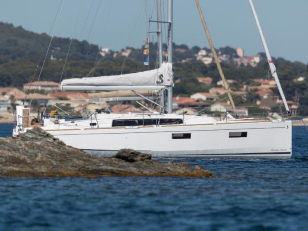 Rental Sailboat in Primošten - Bénéteau Oceanis 381
