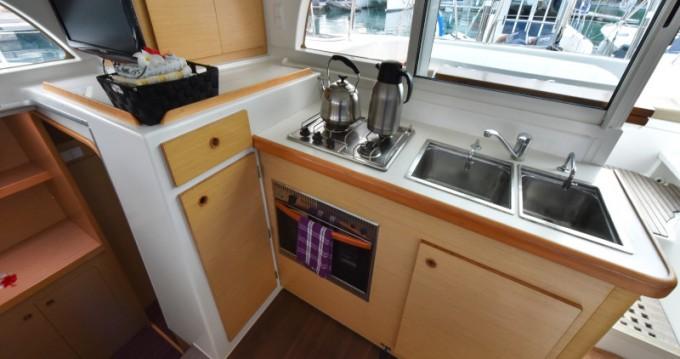 Rental yacht Eden Island - Lagoon Lagoon 380 on SamBoat