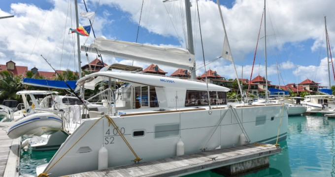 Rental yacht Eden Island - Lagoon Lagoon 400 on SamBoat