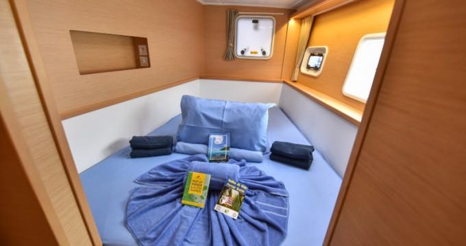 Rental Catamaran in Eden Island - Lagoon Lagoon 400