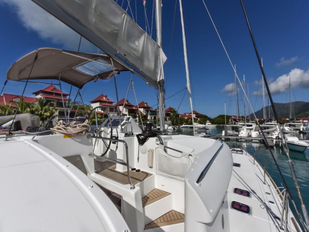 Rental Catamaran in Victoria - Lagoon Lagoon 450