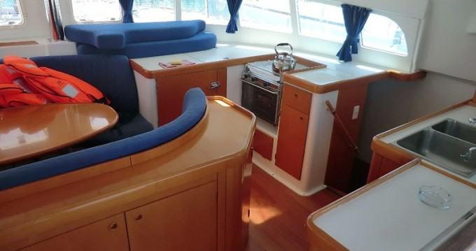 Rental Catamaran in Sukošan - Lagoon Lagoon 410