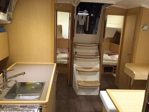 Rental yacht Sukošan - Bénéteau Oceanis 38 on SamBoat