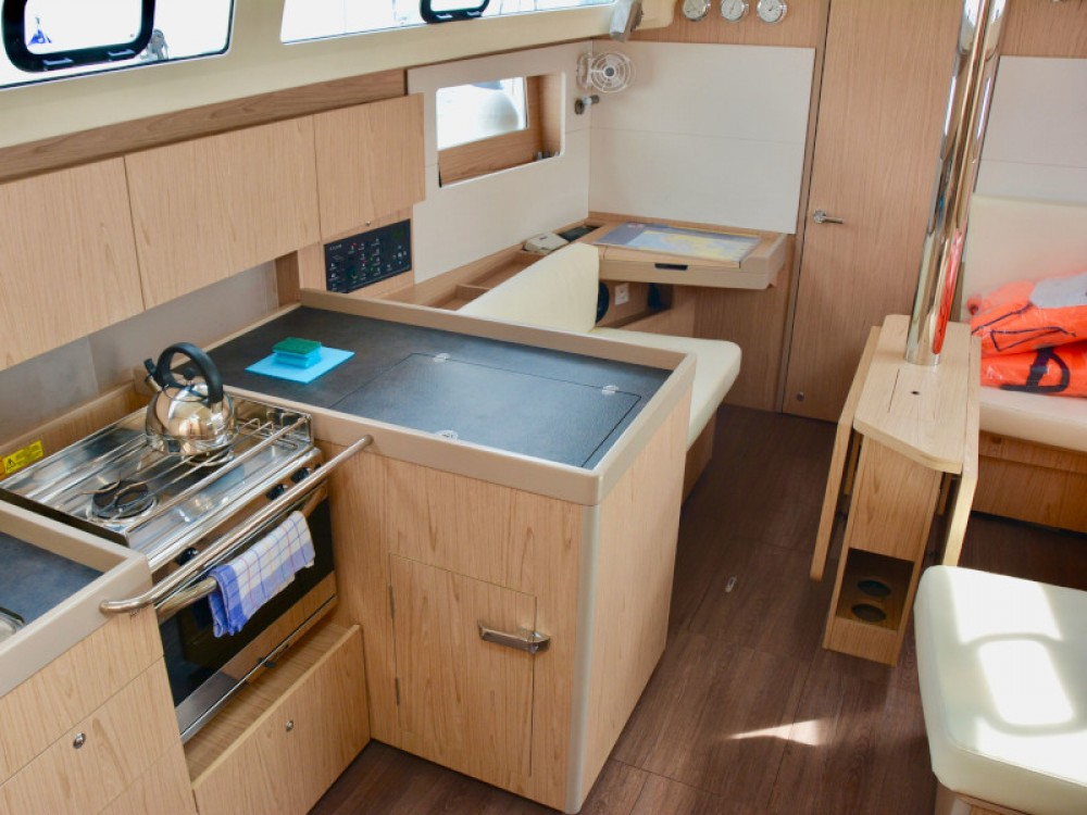 Rental yacht Sukošan - Bénéteau Oceanis 41.1 on SamBoat