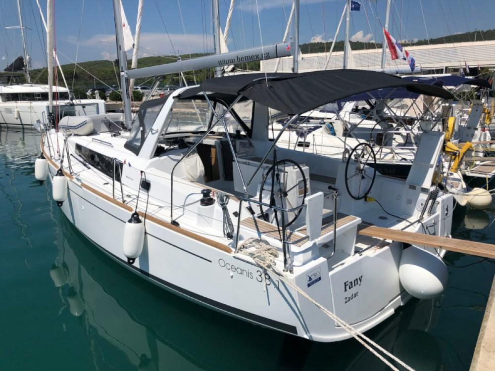Rental Sailboat in Sukošan - Bénéteau Oceanis 38.1