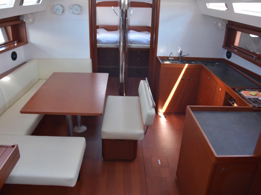Boat rental Bénéteau Oceanis 48 in Sukošan on Samboat