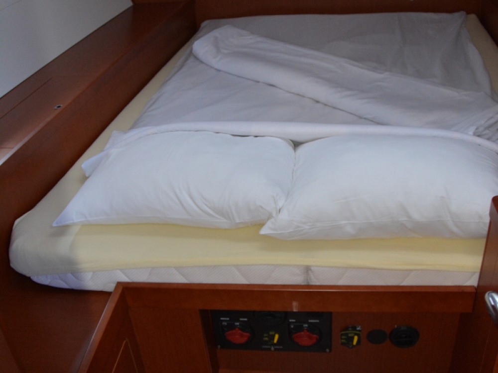 Rental yacht Sukošan - Bénéteau Oceanis 48 on SamBoat