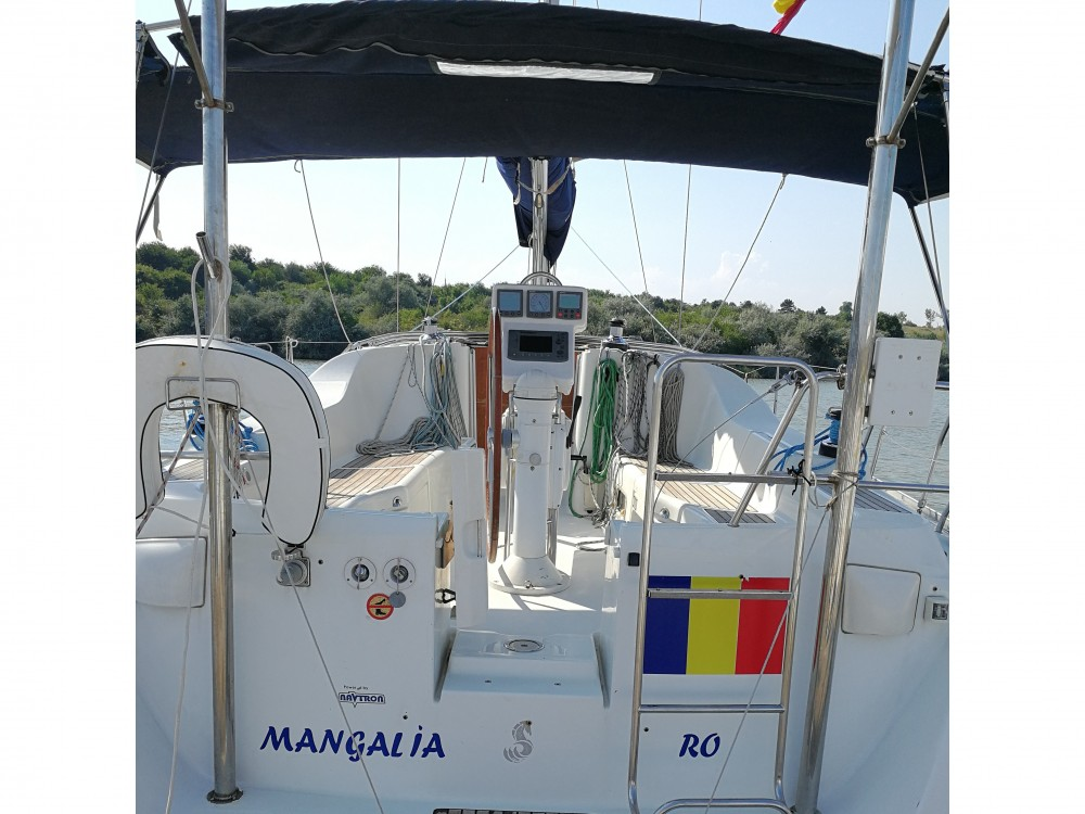 Hire Sailboat with or without skipper Bénéteau Limanu