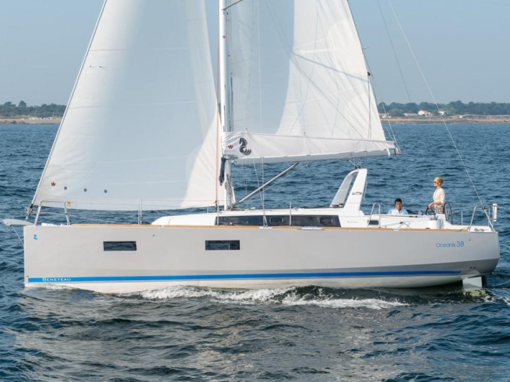 Rental Sailboat in Limanu - Bénéteau Oceanis 38