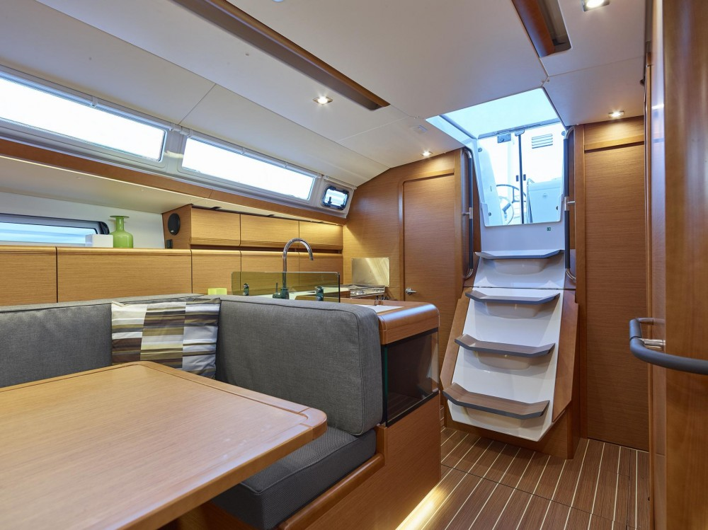 Rental Sailboat in Follonica - Jeanneau Sun Odyssey 419