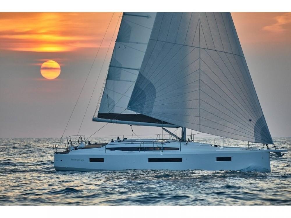 Rent a Jeanneau Sun Odyssey 410 Follonica