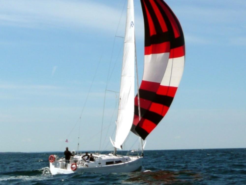 Boat rental Kenz-Küstrow cheap Hanse 370