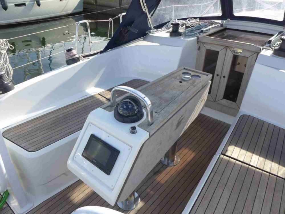 Sailboat for rent Kenz-Küstrow at the best price