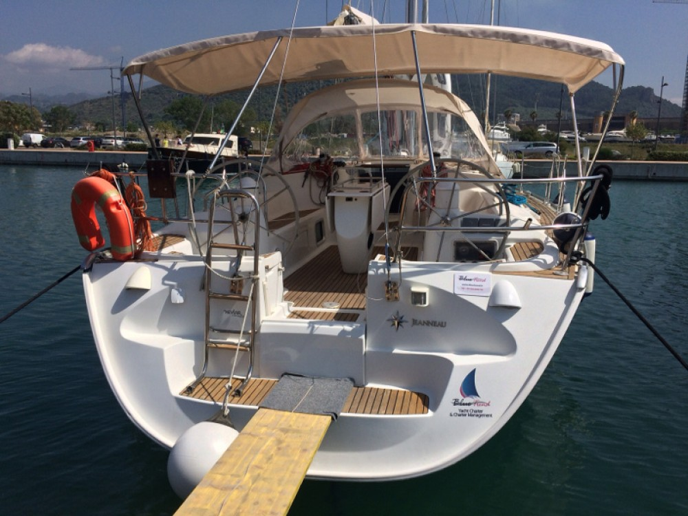 Hire Sailboat with or without skipper Jeanneau Marina d'Arechi