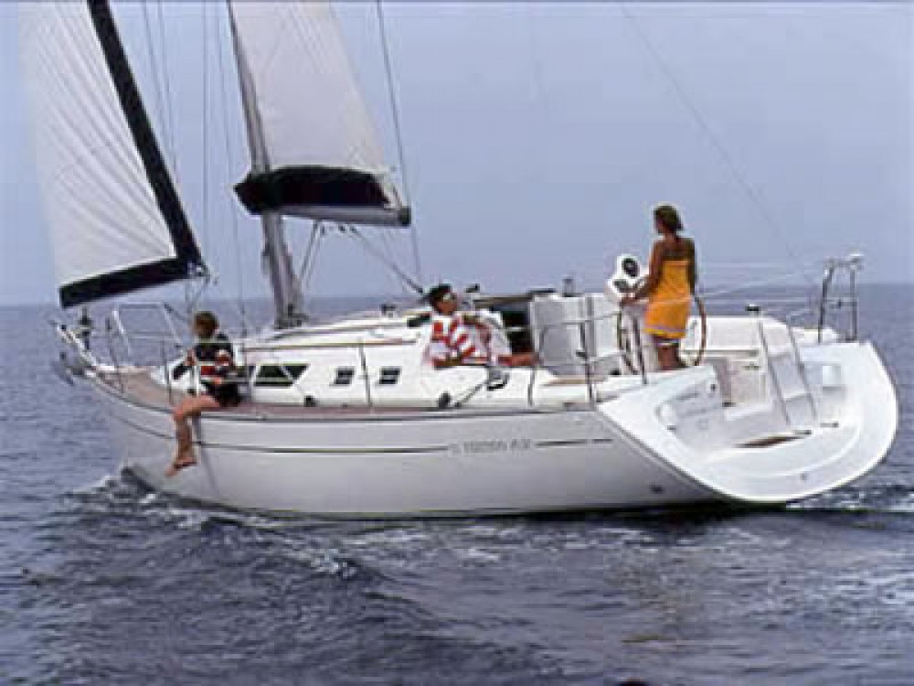 Jeanneau Sun Odyssey 37 between personal and professional Marina d'Arechi