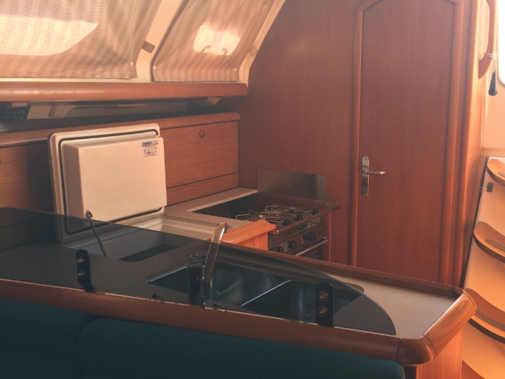 Jeanneau Sun Odyssey 37 between personal and professional Salerno