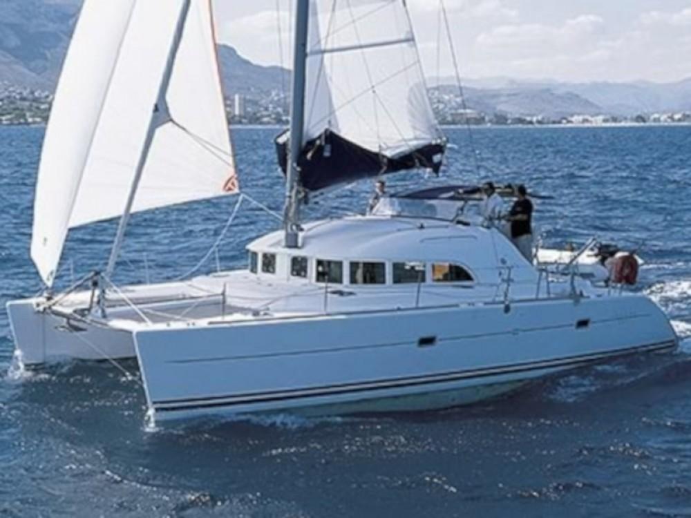 Rental Catamaran in Calliaqua - Lagoon Lagoon 38