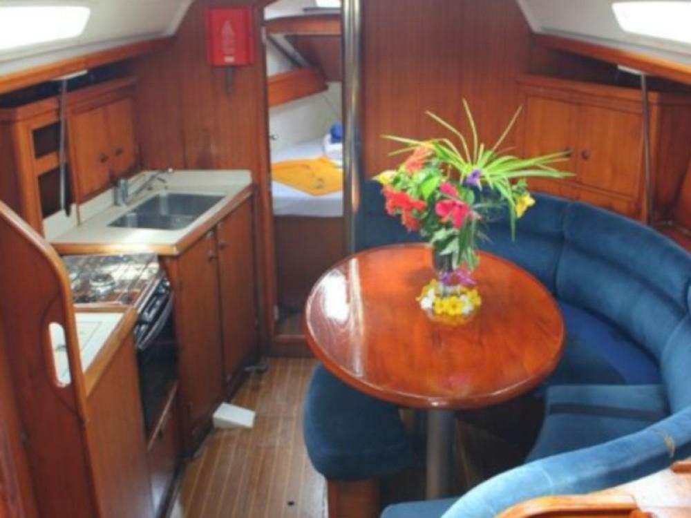 Jeanneau Sun Odyssey 34 between personal and professional Calliaqua