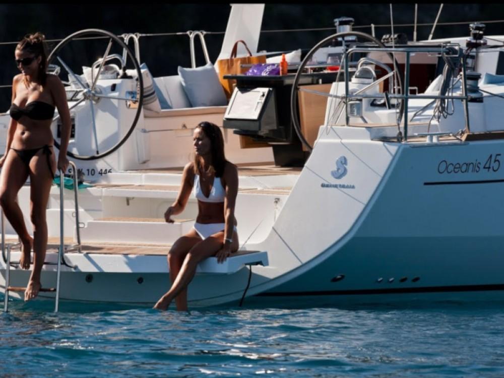 Hire Sailboat with or without skipper Bénéteau Calliaqua