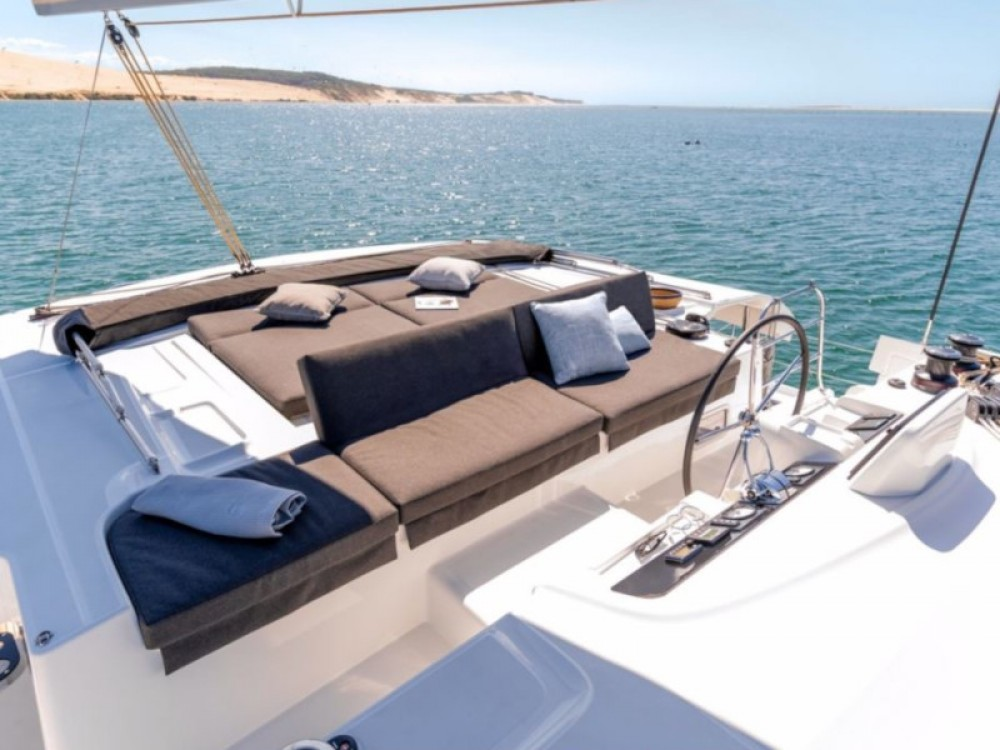 Rental Catamaran in Calliaqua - Lagoon Lagoon 46