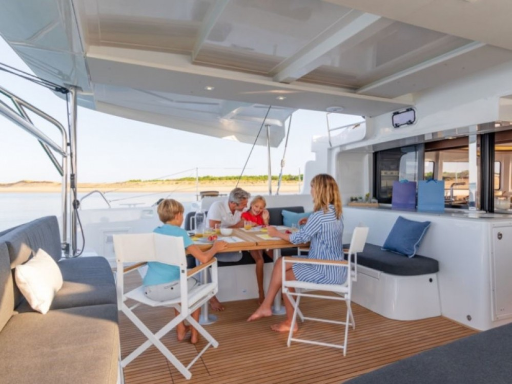 Boat rental Calliaqua cheap Lagoon 46